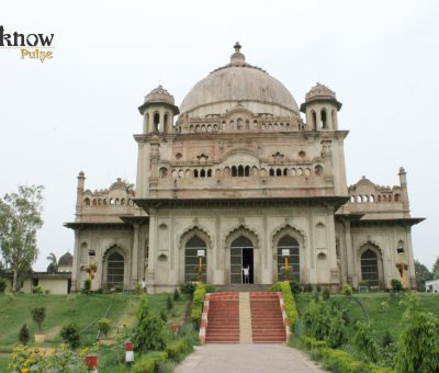Picture of the Mausoleum of Saadat Khan at Lucknow