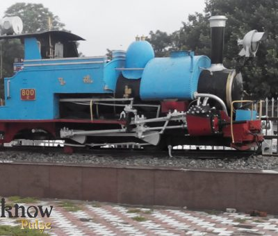 Picture of an old engine at display outside Lucknow's Charbagh railway station