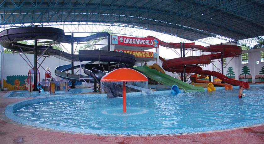 Picture of a water park/resort Lucknow