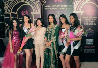 Winners of Miss-India-campus-princess-2020 Lucknow. Seen with Noyonita Lodh and Asma Hussain
